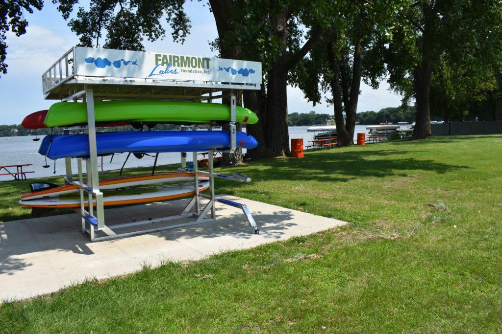 Fairmont Lakes Foundation kayak kiosk in Gomsrud Park